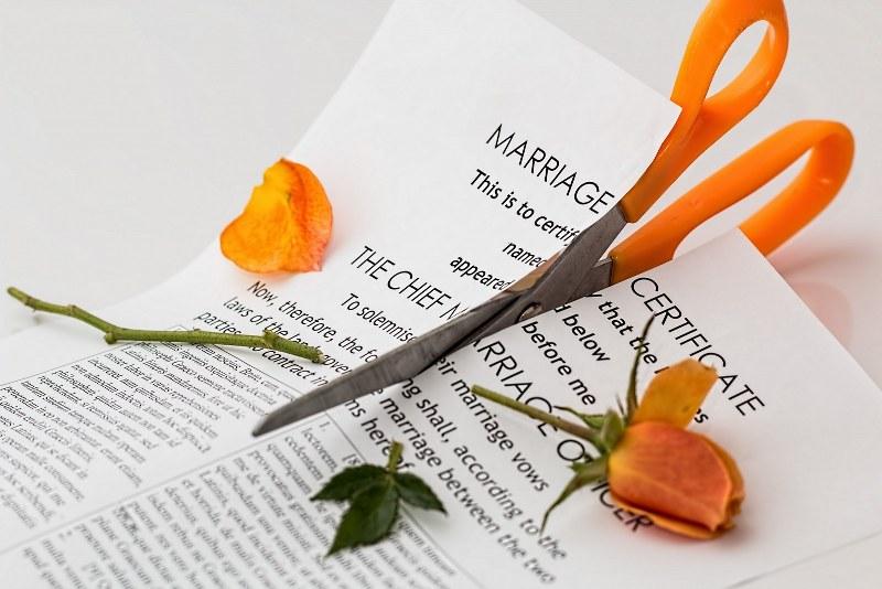 abbandono-tetto-coniugale